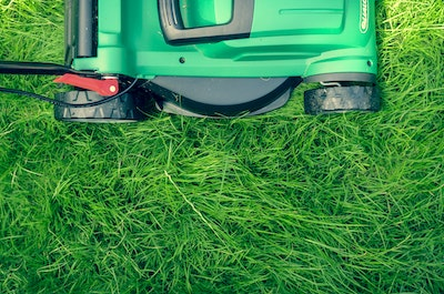 Buying a Self-Propelled Lawn Mower
